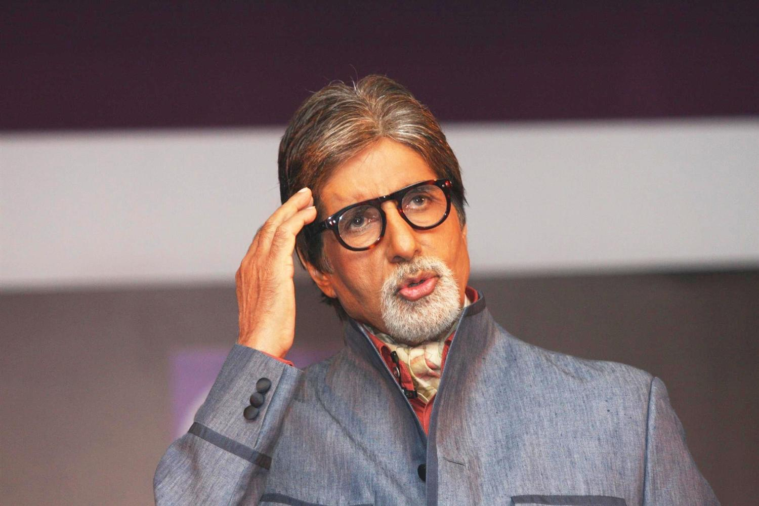 Big B felicitated by Indian Community in Egypt