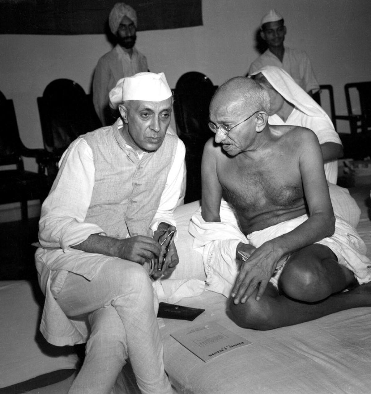 Gandhi_and_Nehru_1942